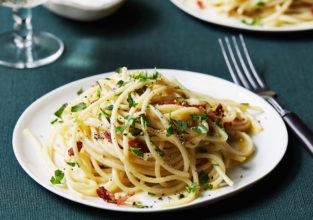 Food Network  Tyler Florence Spaghetti Alla Carbonara Winter Weeknight Dinners in 60